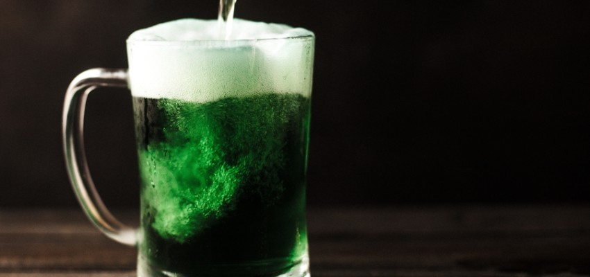 Irish bars in Hong kong green beer