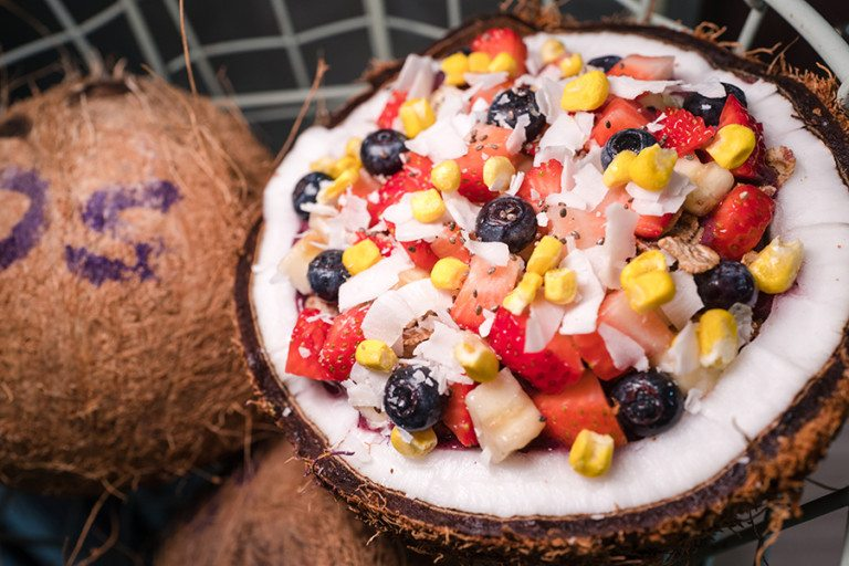 Pretty acai bowls are all the rave! We sampled healthy and fruity goodness at Supabowl