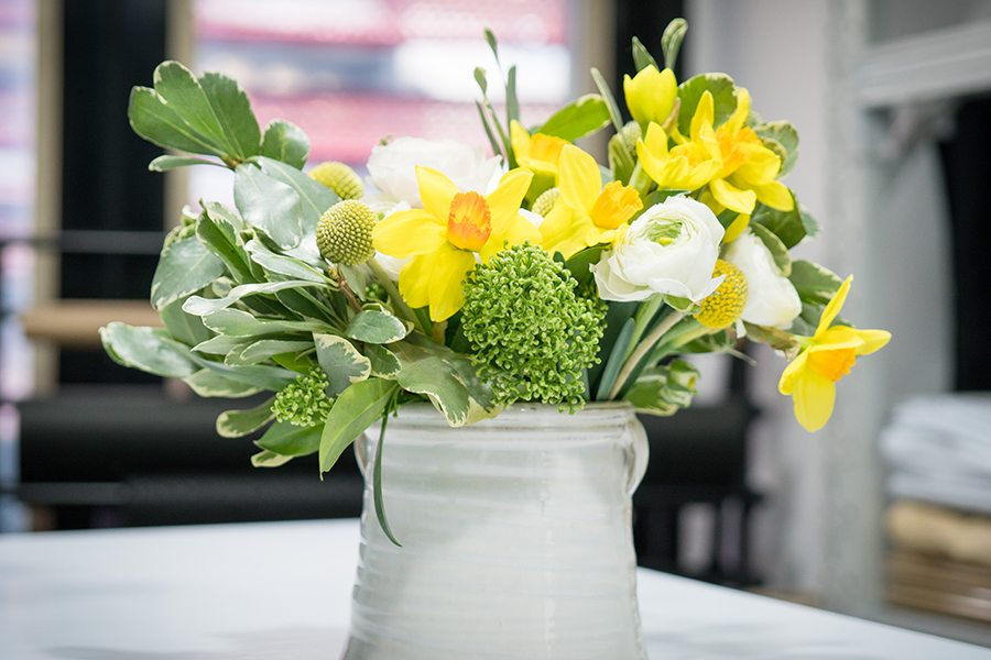 flower colour meanings yellow arrangement