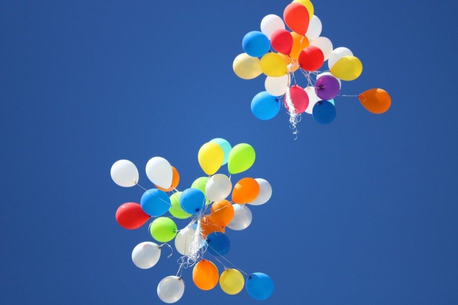 single-use plastic in Hong Kong balloons in the sky