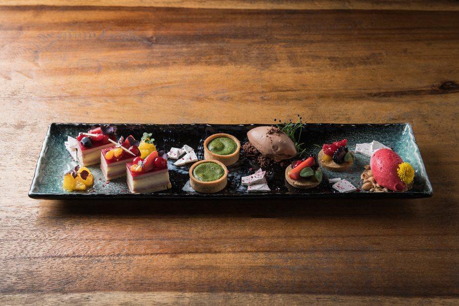 best brunch in hong kong Ce La Vi dessert platter