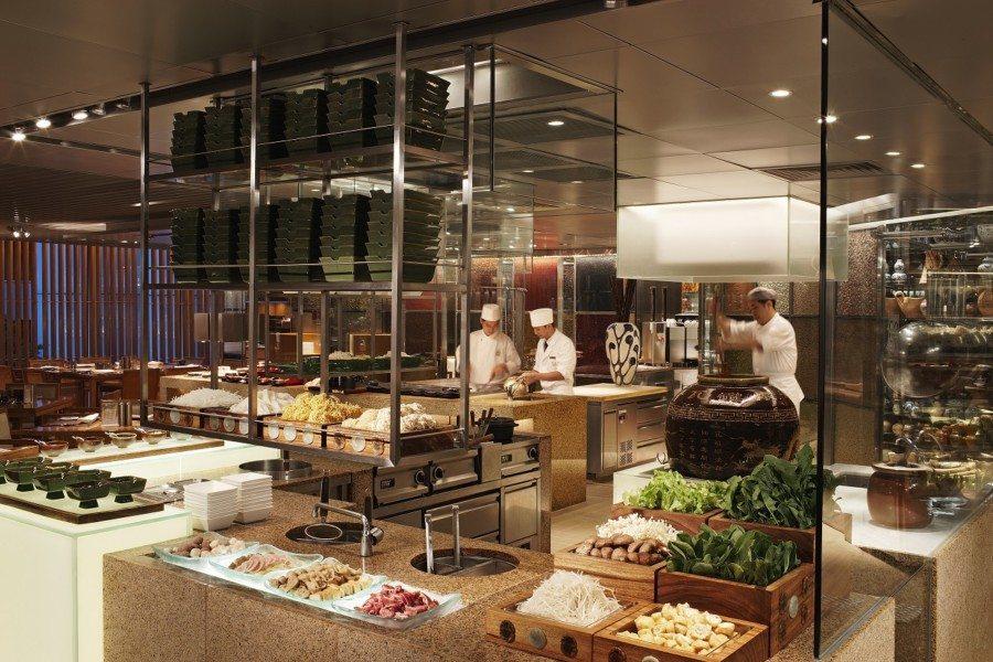 best dinner buffets in Hong Kong Island Shangri-La Hong Kong Cafe Too