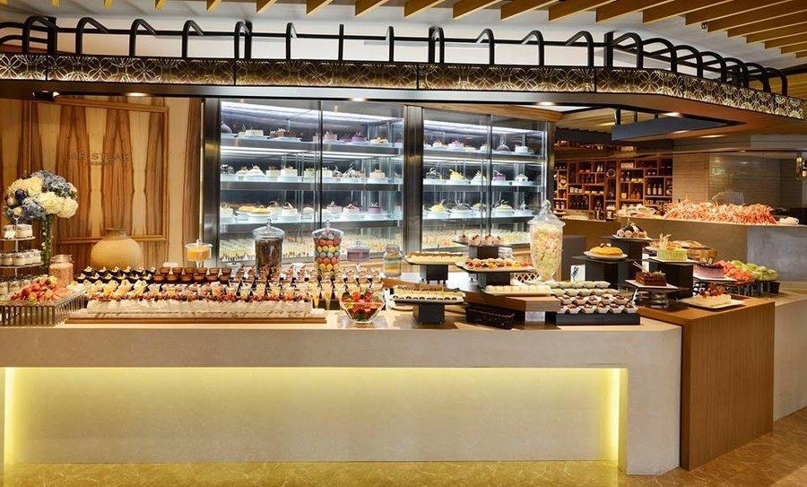 best dinner buffets in Hong Kong Mr. Steak desserts