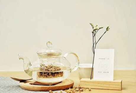new cafes in Hong kong tea pot at Pause It