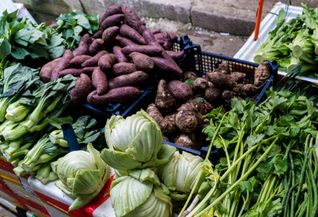 single use plastic in hong kong wet markets vegetables