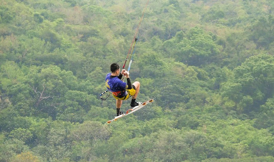 water sports in hong kong kiteboarding