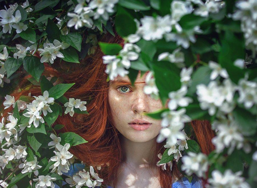 best natural skincare girl in flowers MAIN