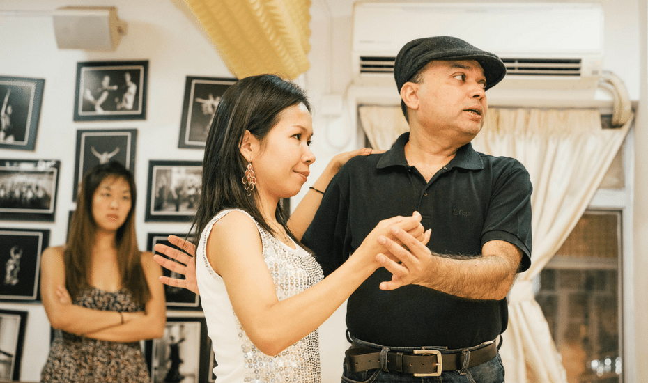 dance classes in Hong Kong dance with style salsa bachata