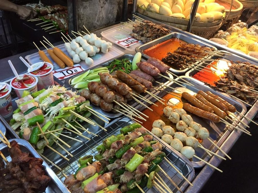 things to do in Hua Hin cicada market food stalls