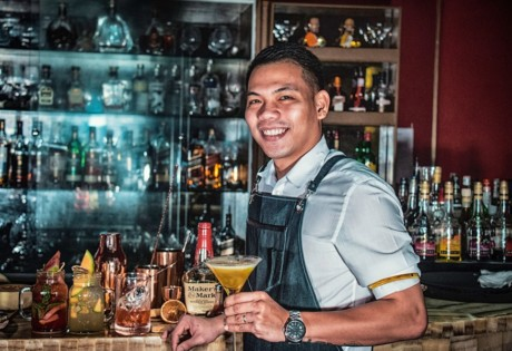 best bars in Hong Kong bartender