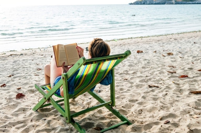 Adventure travellers and sunbathers! Check out our favourite books for holiday reading