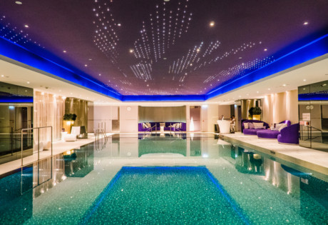 hotels with wellness programmes in Hong kong The Mira swimming poo