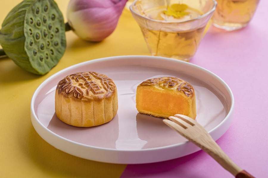 where to buy mooncakes in Hong kong 2019 Royal hotels gift box