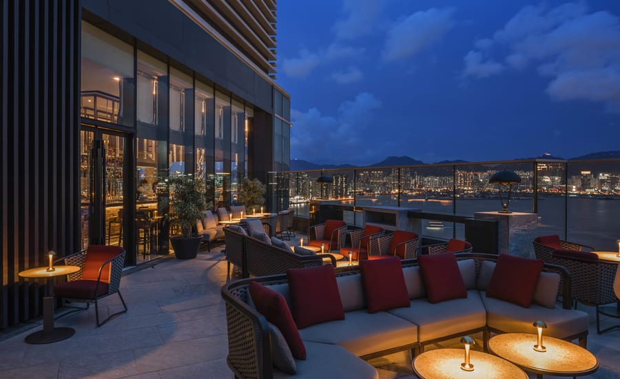 rooftop bars in Hong Kong Cruise