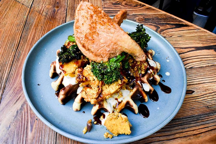 Salt & Barrel brunch Shek Tong Tsui HKU vegan waffle