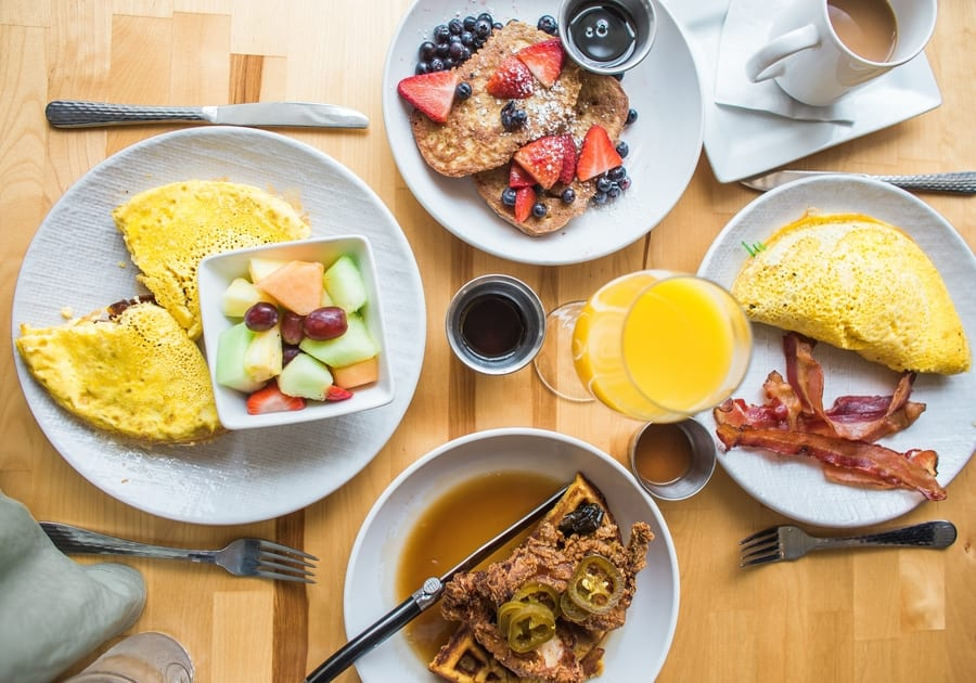 Free-flow drinks, eggs and waffles! It's time to enjoy the best brunch in Hong Kong