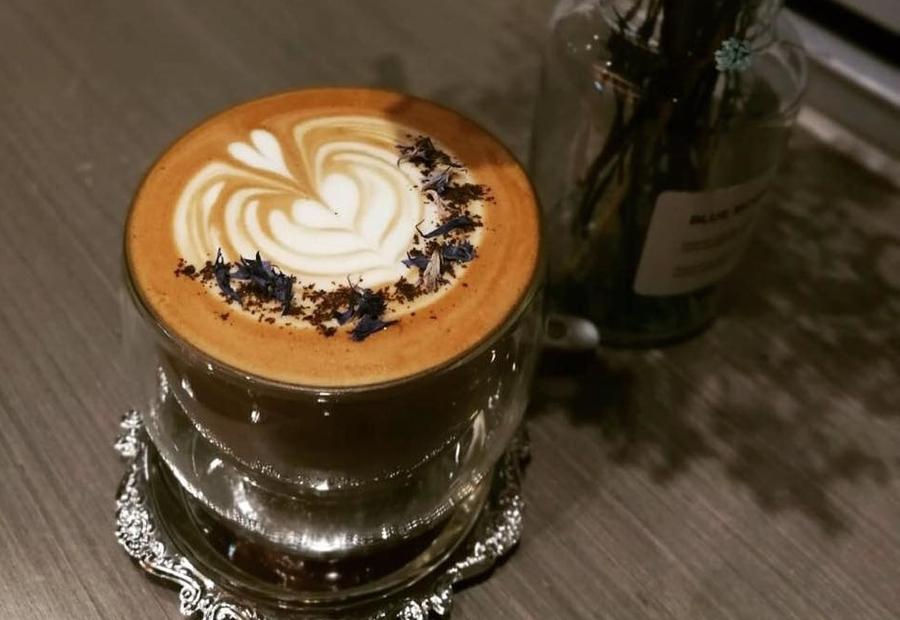 new cafes in Hong Kong Infiniti C