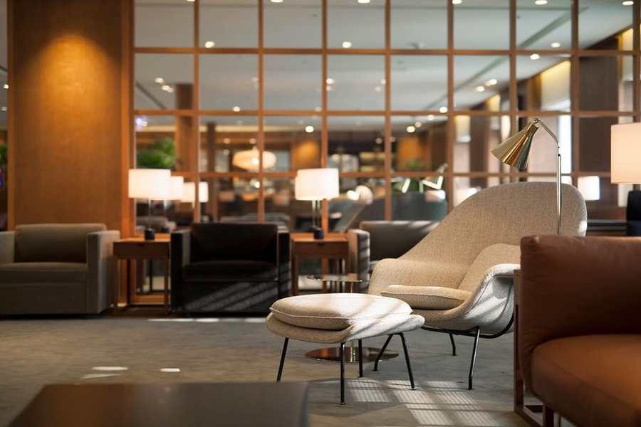 The Deck Cathay Pacific airport lounges in Hong Kong