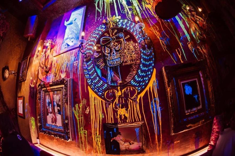 art bars in Hong Kong Le Boudoir