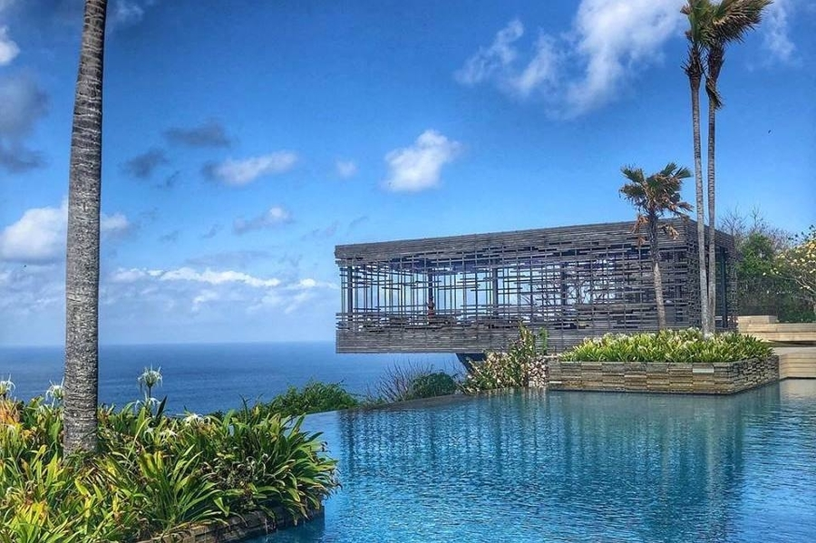 Alila Villas Uluwatu sustainable family resorts