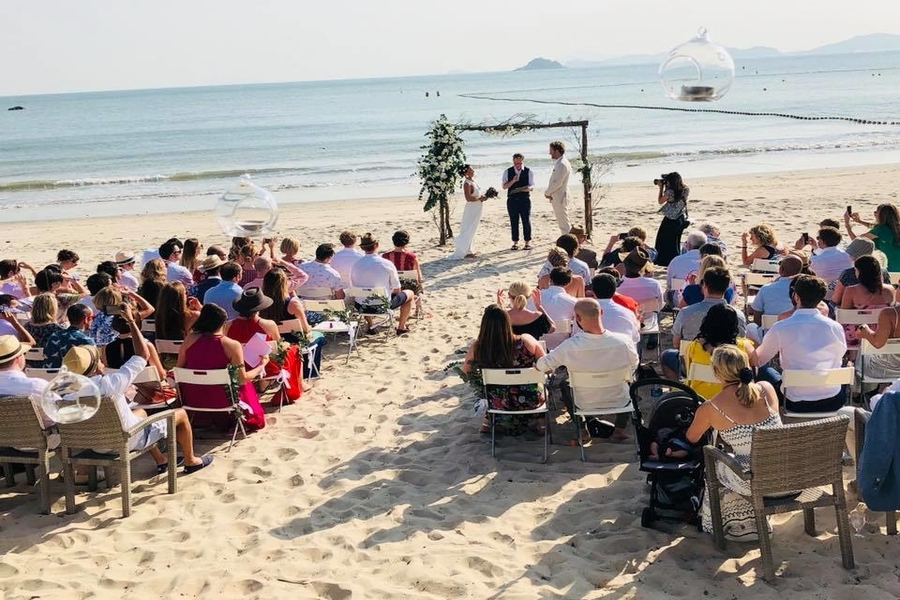 wedding venues in Hong Kong Bathers
