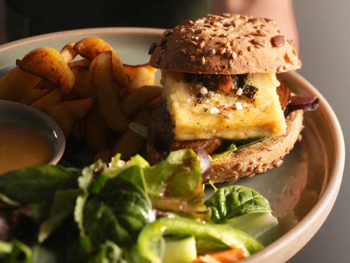 vegetarian burger Dandy's Cafe