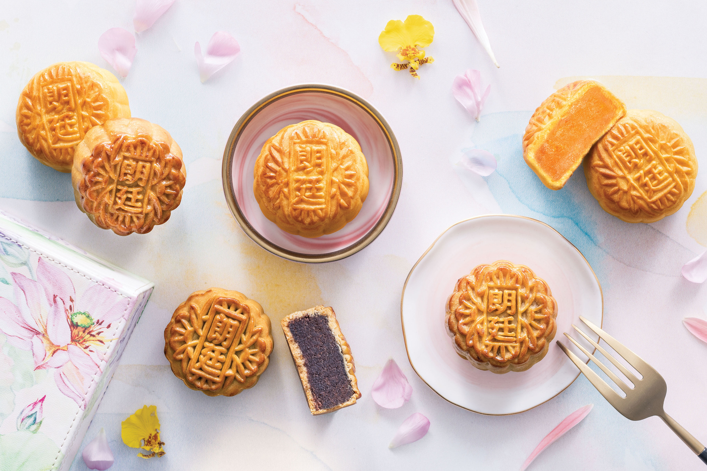 buy mooncakes in Hong Kong 2019 Langham Hotels