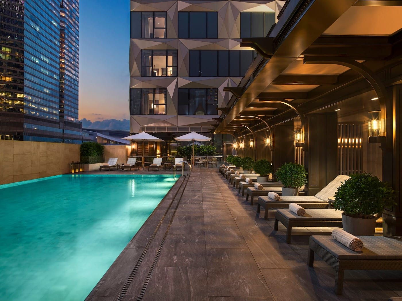 Top Wan Chai hotels that guarantee great fine dining restaurants, swimming pools, and spa time