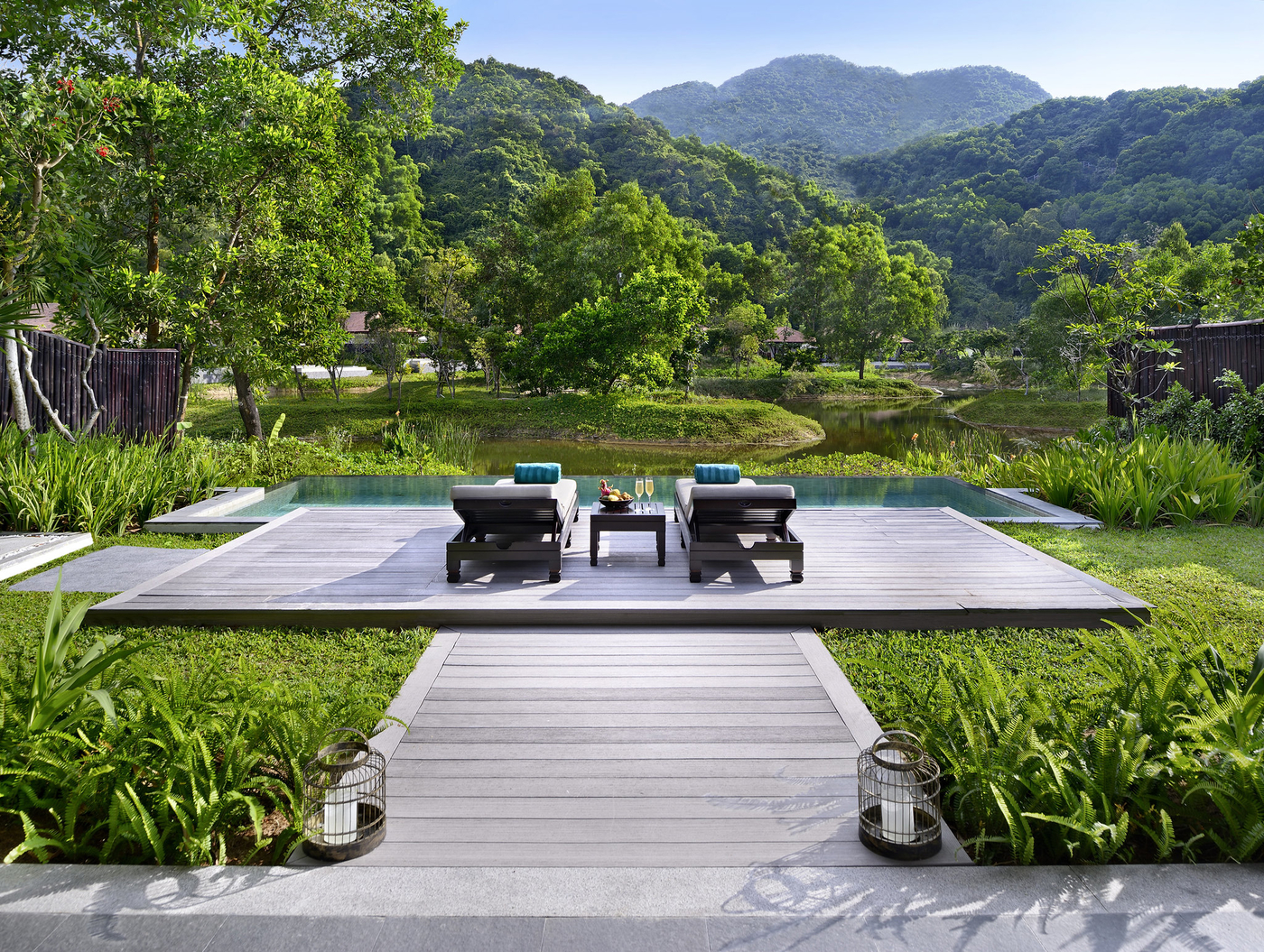 Win a 5-star vacay for you and your bestie at Banyan Tree Lang Co in Vietnam