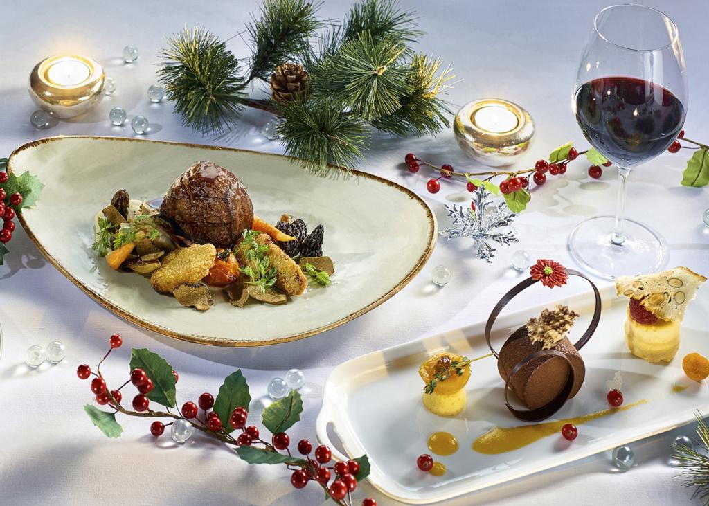 6-Course Christmas Eve Set Dinner at Hugo's, Hyatt TST