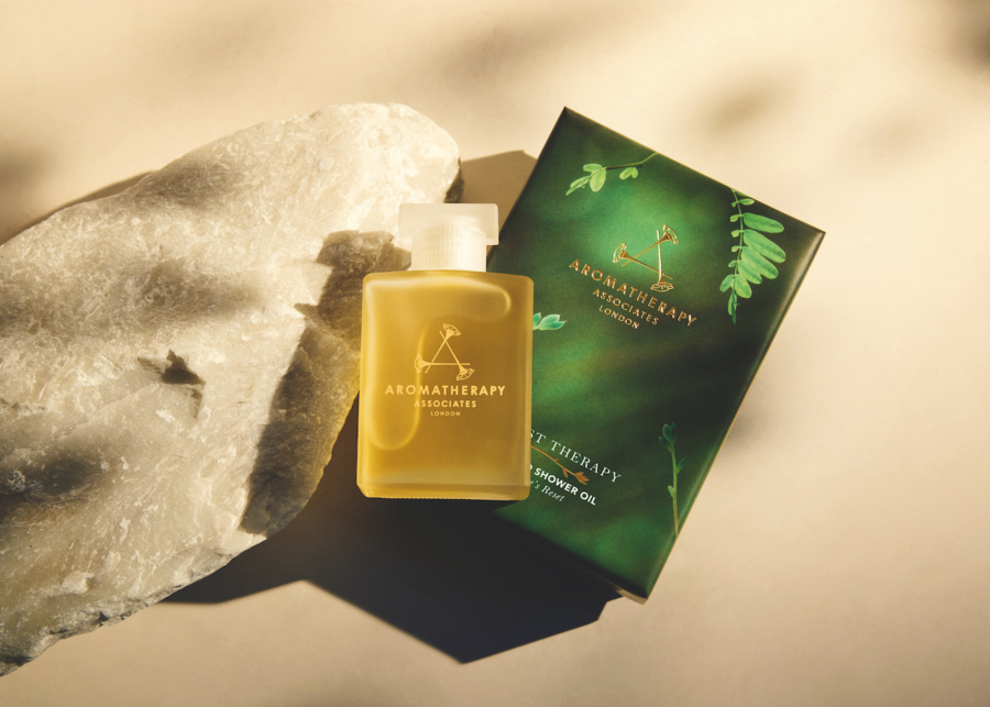 Aromatherapy Associates Giveaway: 5 people will win a Forest Therapy gift set for an ultimate spa-cation experience